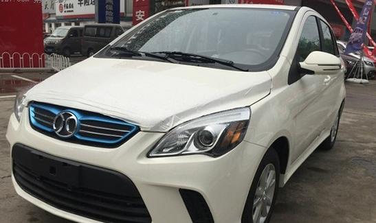 新车规划:将在2015-2017年发布11款新车,其中6款为全新车型。2015年发布一款基于全新平台打造的微型车和一款全新的紧凑型轿车EU300,另外,推出E150EV的升级版车型EV200经济型、增加了电池容量的2015款EV200。在商用车方面,推出EL150冷藏、保温车和1.5吨微卡物流车。在2016年,会推出全新第三代EV200和首款插电混动车型PH300。2016年底至2017年初推出一款定位为大中型车的ER500。   未来将会推出全新的纯电动车平台,采用专为电动动力系统而打造的全新平台